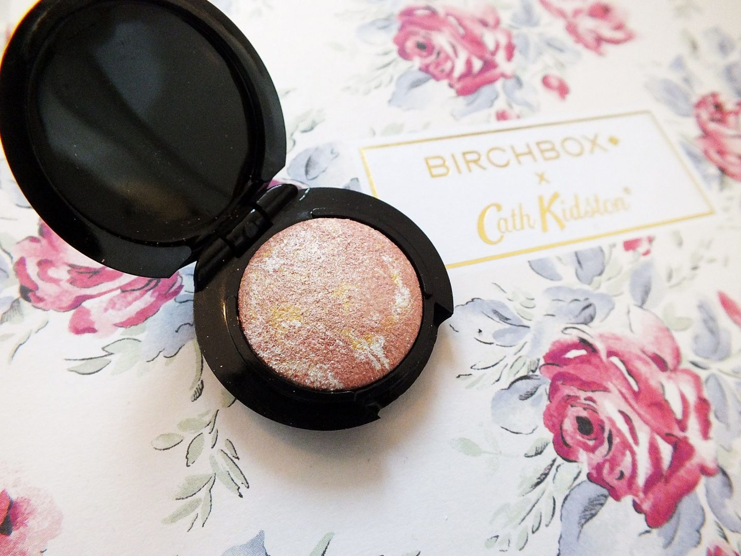 April Birchbox ModelCo Highlighter Moonshine close up macro